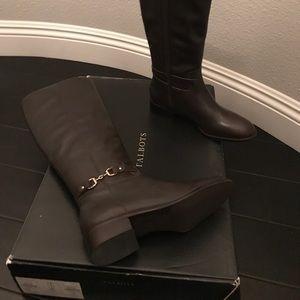 New dark brown riding boots size 7 medium